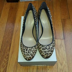 BANANA REPUBLIC PUMPS